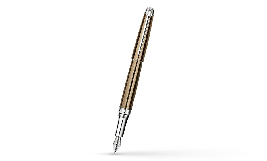 Перьевая ручка Caran d'Ache Caviar, золото, рисунок-чешуя, лак  4799-487