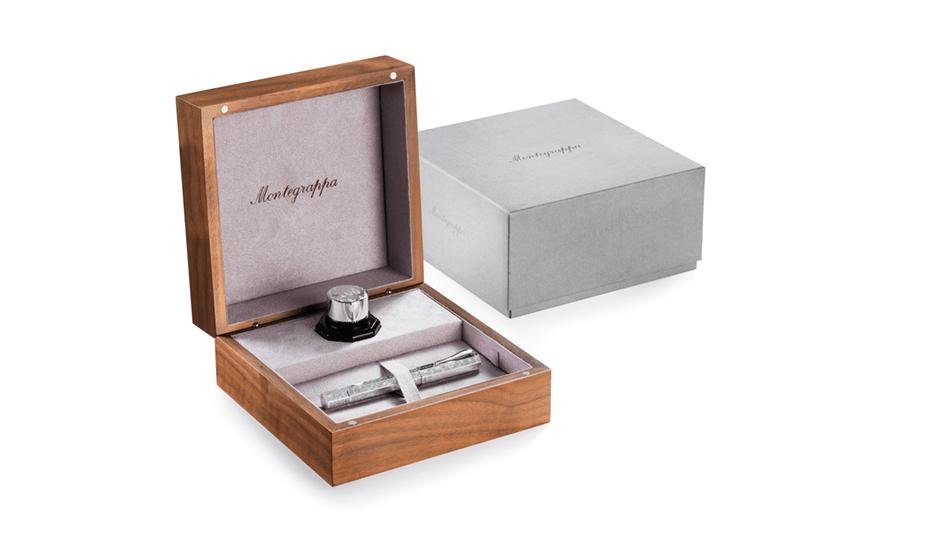 Перьевая ручка Montegrappa серебро, перо- золото, съемный колпачок на резьбе,  REM105-FP
