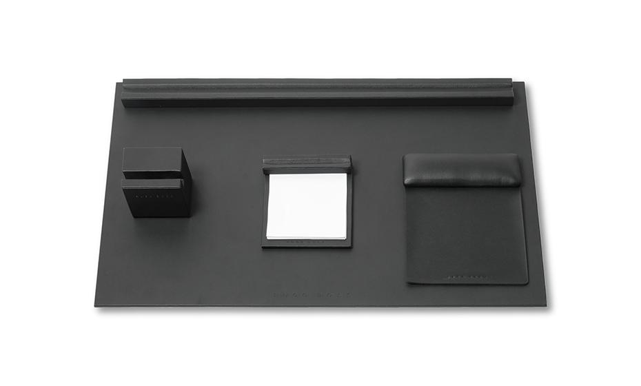 Набор Hugo Boss Stripe Soft Black, настольный, полипропилен, черны  HAD808A