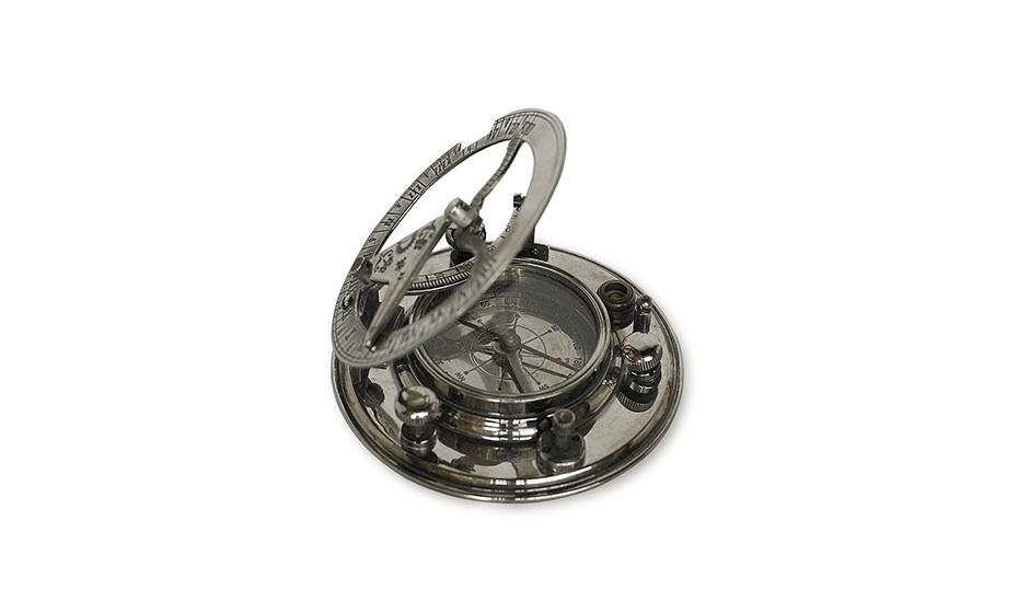 Компас Authentic Models серебро, латунь, 10 х 10 х 4 см  CO019