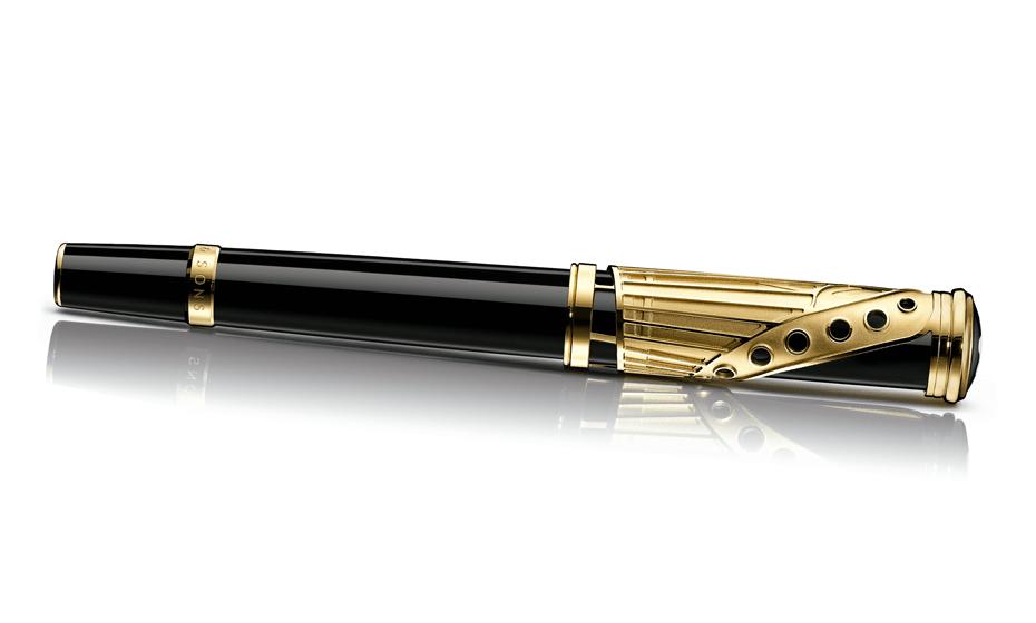 Перьевая ручка Montblanc драгоценный чёрный лак, отделка- позолота, пишущий  110407