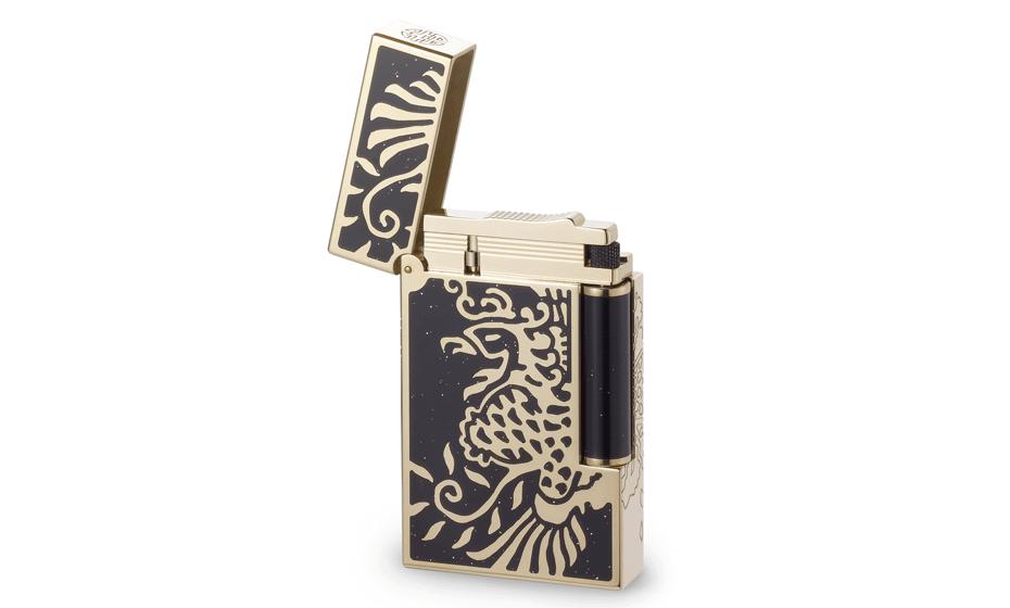 Зажигалка S.T. Dupont ювелирная латунь, позолота, черный лак, золотая пу  16757